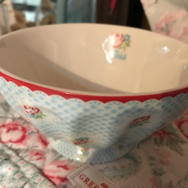 TAMMIE PALE BLUE FRENCH BOWL XLARGE (1)